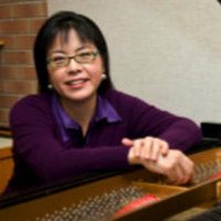 Mindful piano lessons for adult learners by a highly acclaimed and experienced teacher.