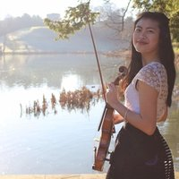 A music graduate offering music theory, violin and piano lessons in Surrey