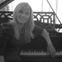 Music teacher with 8 years experience Piano/Vocals/Music Theory UK based any age