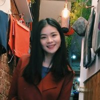 Native Chinese student studying law teaching Chinese and imparting Chinese cultures in London