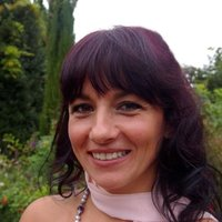 Native Italian speaker Qualified and Experienced. One-2-One or Groups Home Tuition with a 20miles radius from Horsham.