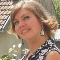 Native speaker, bilingual Russian / Ukrainian, I lived in France for 14 years. I have experience in teaching languages ​​to ad