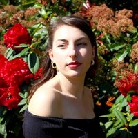 Opera singing student offering lessons for all levels and all types of music in London