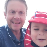 Oxbridge-educated Dad offers online maths / algebra help anywhere in the world