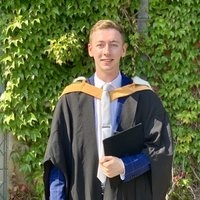Physics and Astrophysics graduate offering tutoring in GCSE and A Level maths and physics.