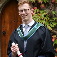 Physics PhD offering University level Physics Lessons and A levels Maths Lessons