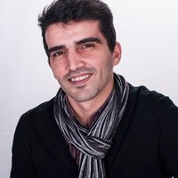 Portuguese experienced tutor offering English and Portuguese lessons online for any ages.