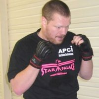 Private coaching in kickboxing and physical preparation with a personal trainer and competitor