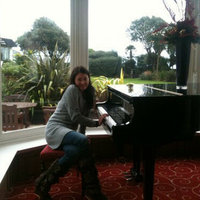 Professional and passionate piano teacher with 10 years of experience in classical and modern music