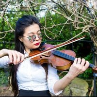 Professional experienced violinist in london, had over 10 years of teaching experience, mostly for ABRSM exams