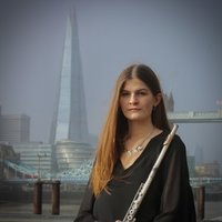 Professional Flute Teacher based in Aldgate East, London, Providing Individually Tailored Music Lessons