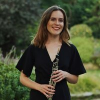 Professional oboist and experienced oboe and piano teacher based in North London