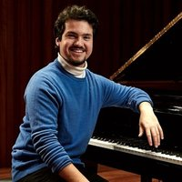 Professional Pianist and Student at the Guildhall School offering lessons in London and Surrey