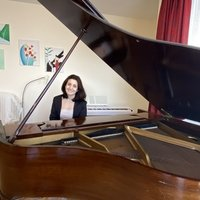 Professional Piano Lessons with experienced teacher who is teaching traditionally face to face as well as online platform via zoom or other platforms.