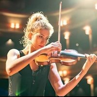Professional violinist and harpist from Royal College of Music, offering online / face-to-face lessons to all ages and levels