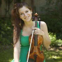 Professional violinist with Bachelor and Masters teaches violin, theory and aural in London