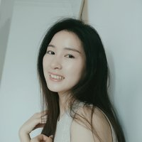 Professionally-educated Chinese teacher with two years of experience waiting for you online