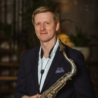 Professor of Saxophone offers jazz, pop and classical lessons for all abilities