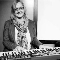 Qualified and experience music teacher of 12 years available for piano and theory lessons