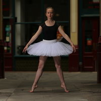 Royal Academy of Dance Ballet Teacher in London offering private & group lessons - ONLINE NOW