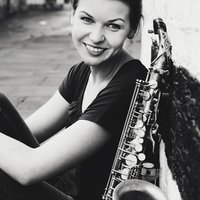 Rusne, saxohpone teacher for London UK. Private one to one music tuition. Fun and interesting lessons.