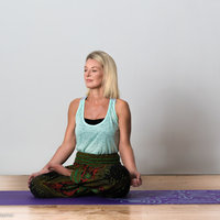 Hi, i'am Sonia a Jivani yoga teacher practicing for over a decade, I am also a holistic therapist with 20 years experience with a deep passion on the connection through intention.