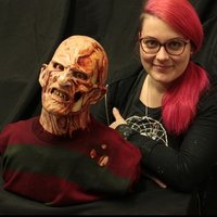 Special effects artist and sculptor offering sculpture and character design lessons in Birmingham.