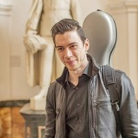 Top-level Italian cellist offering cello lessons in London for beginners and advanced players.