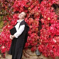 UKCC Level 2 qualified badminton coach with over 10 years of playing experience, offering both group and individual sessions in Oxfordshire.