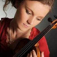 Violin and Baroque Violin lessons in London and online with international performer and qualified teacher
