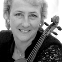 Violin teacher with 25 years experience offers lessons for adult and child beginners, and for adult returners.