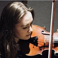 Violinist studying at world renowned music conservatoire offering violin lessons in London