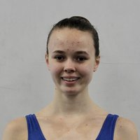 Vocational ballet student with 16 years of training offering online ballet and stretch classes