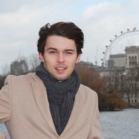 Young dynamic French student with good energy offers French lessons in central London (or Skype) !
