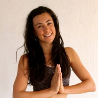 Young, fun Yoga Teacher based in Shoreditch - Private and group lessons!