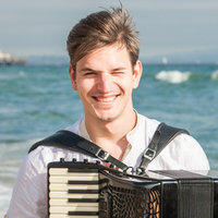 Young teacher, graduated in Master of Concert at Haute Ecole de Musique in Lausanne, the winner of the Accordion World Trophy gives piano and button accordion lessons with standard basses and